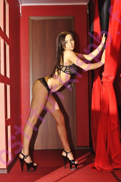 Фото проститутки СПб по имени Лара +7(921)653-11-34